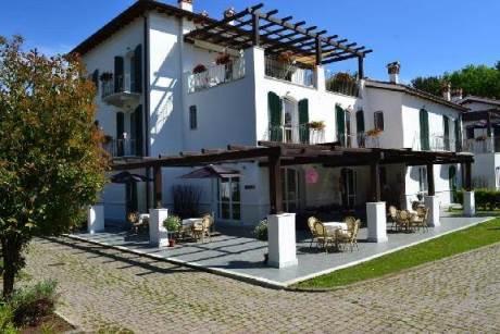 Residenza Casa Bianca – Marina di Massa (MS) | Toscana Residence