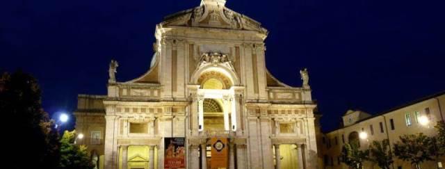 Santa Maria degli Angeli e la Porziuncola – Easy microracconti