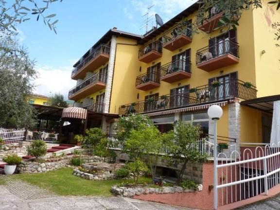 Lago di Garda: Hotel Rabay – Castelletto di Brenzone (VR)