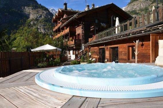 Valle d 39 aosta hotel 4 stelle archivi easyholidays for Piani chalet svizzero