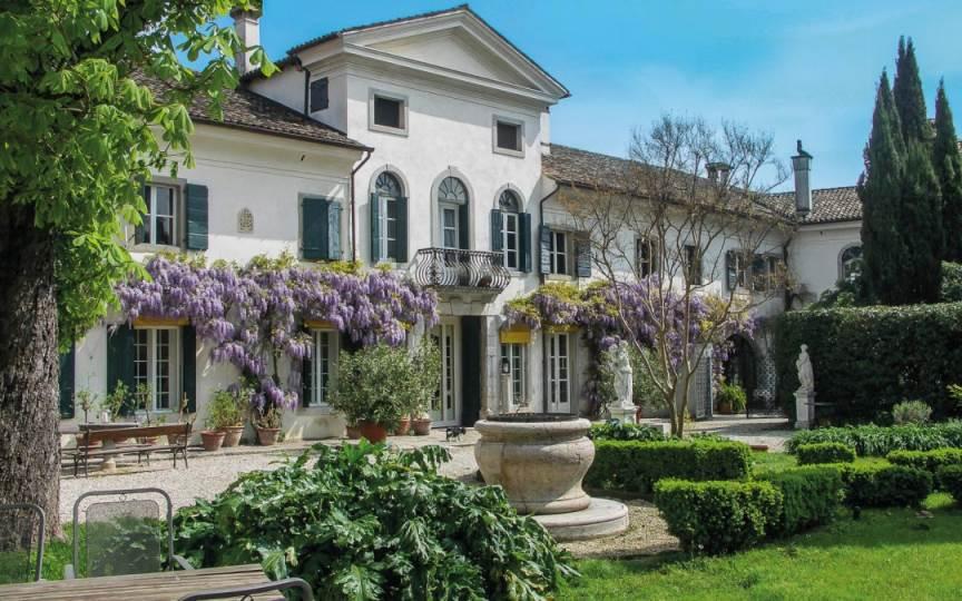 Villa di Tissano – Santa Maria la Longa  (UD) | Friuli Venezia Giulia Hotel